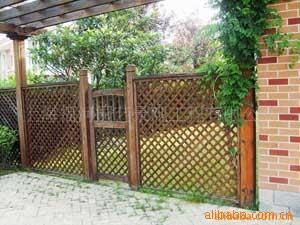 防腐木围栏 花圃围栏 木制围栏 防腐木护栏指导价 防腐木围栏 花圃围栏