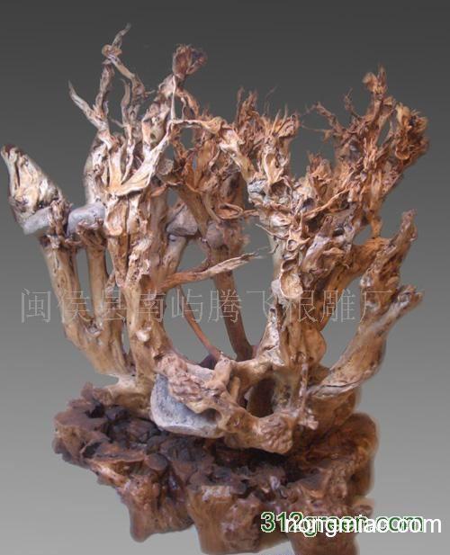 木雕羊腾飞图片
