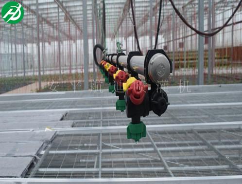 温室双臂喷灌机