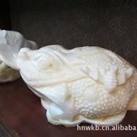 供海南特级天然砗磲贝壳雕刻工艺品金钱蟾子厂