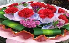 """菏泽:""""母亲节""""将至鲜花走俏 价格也略有上涨"""