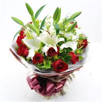 宁德丁香花店 闽东花木城 11朵红玫瑰+2朵香水百合 混搭花束 N004