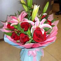宁德丁香花店 11枝红玫瑰+3枝多头水仙百合 情人节 生日鲜花 N052